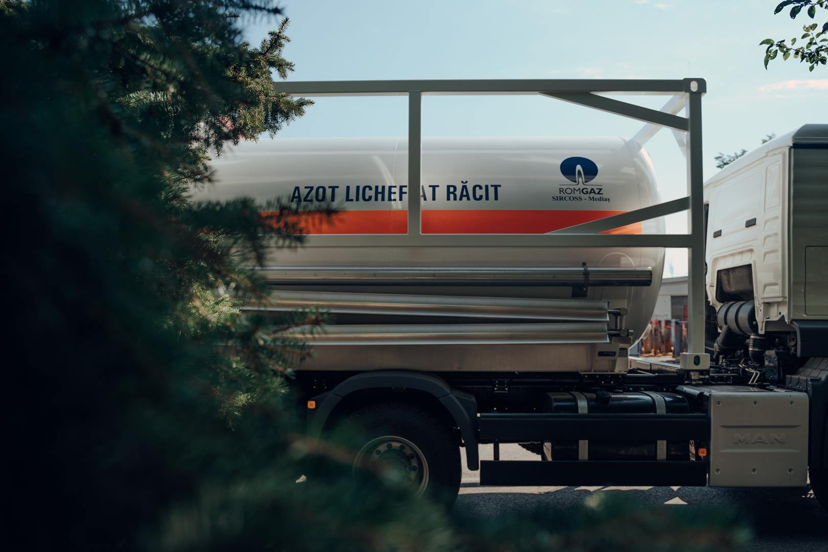 Autocisterna transport azot lichefiat